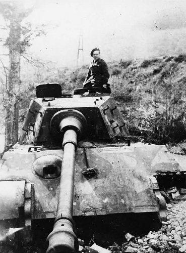 Tiger II 1853.jpg