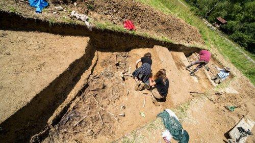 z26238628V,Badania-archeologiczne-na-miejscu-pochowku-zolnier.jpg