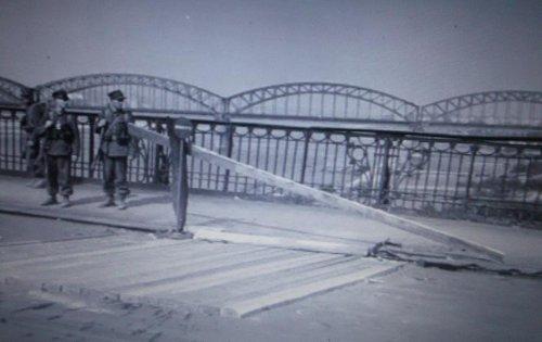 1939 na moscie2.JPG