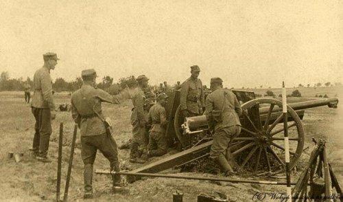 Czeremoszno, wieś w gminie Powórsk, 1937 r. Na poligonie Szkoła Podchorążych Rezerwy Artylerii z Włodzimierza Wołyńskiego.jpg