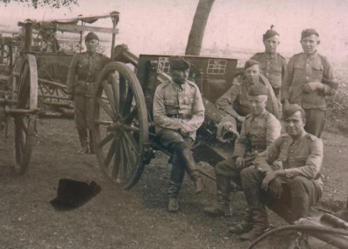 Żołnierze 2. Pułku Artylerii Lekkiej Legionów, wrzesień 1927 r..png