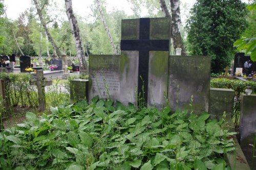 Jerzy_Dobrodzicki_(grób).JPG