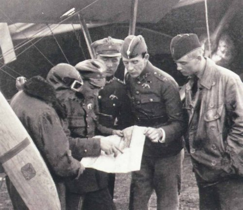 Lotnicy 13. Eskadry Myśliwskiej, 1920.jpg