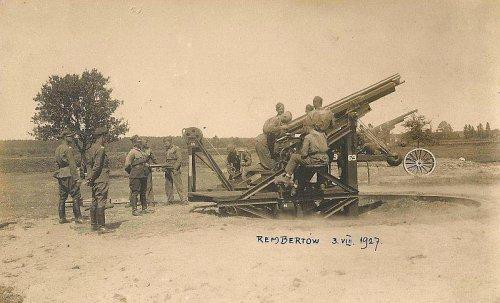 Żołnierze 2 Dywizjonu Artylerii Przeciwlotniczej, Polska, Rembertów, 3 sierpnia 1927 roku.jpg
