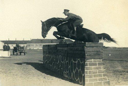 Por. 3 Pułku Szwoleżerów Mazowieckich Romuald Trajchel, Suwałki 1930 rok.jpg