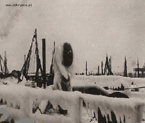 port_wojenny_w_pinsku_zima.jpg