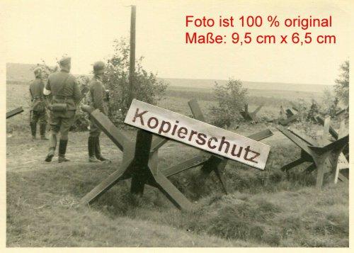 Panzersperre an polnischer Grenze bei Krzepice.jpg