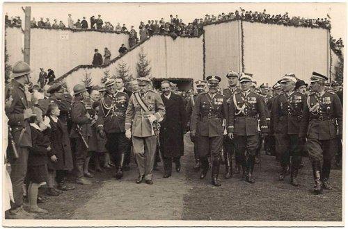 Święta Kawalerii w Krakowie z okazji 250 rocznicy Odsieczy Wiedeńskiej.jpg