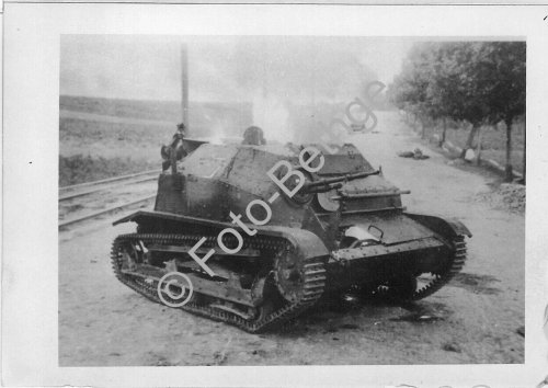 Panzer Polen Tankette Rollbahn abgeschossen bei Radomsko.jpg