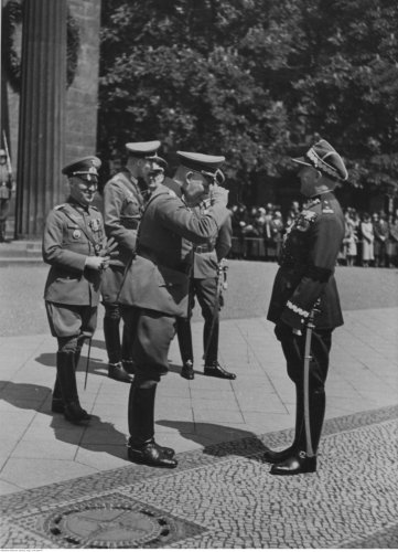 Kutrzeba maj 35 w berlinie.jpg
