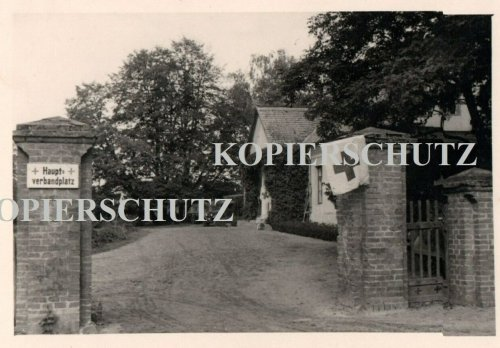 Polen 1939 Podlodów b. Deblin Lublin Lazarett Sanitäter Quartier.jpg