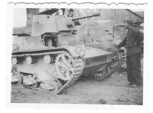 Polen Beute Panzer PT-7 Bergung Sammelplatz Sandomierz 1939.jpg