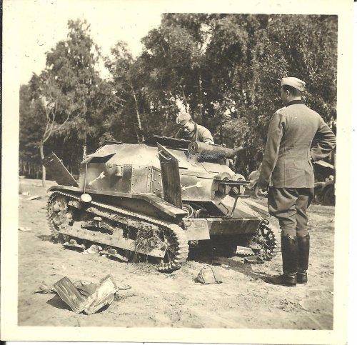Foto Poln Panzer Tank Div-zeichen Camo Beute Kampf Wyszogrod Polen 21.9.1939 _ eBay.jpg