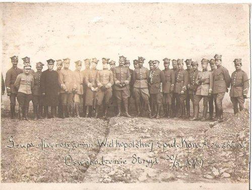 Sztab Grupy Wielkopolskiej pułkownika Daniela Konarzewskiego, po zdobyciu Stryja w dniu 20 maja 1919.jpg