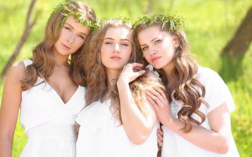 Three_3_Brown_haired_Glance_Beautiful_534346_3840x2400.jpg