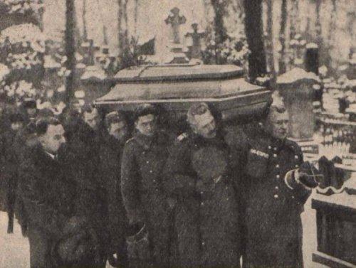porebski 27 r pogrzeb p chrzanowskiego.JPG