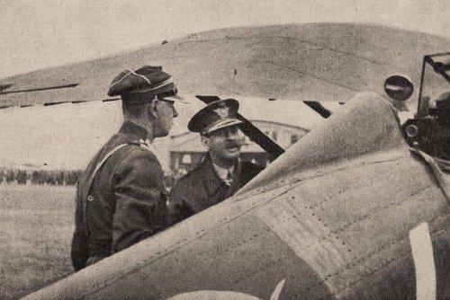 rayski z krol karol w bukareszcie 33r.JPG