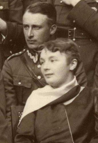 u walkowski Tadeusz z zona 1930.JPG
