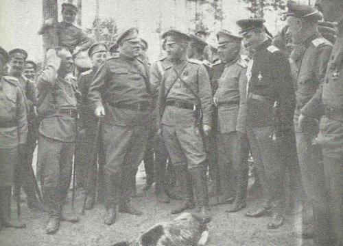 31_marca_oficerowie_brygady_strzelcw_na_pozycji_pod_baranowiczami. A.Sławoczyński.jpg