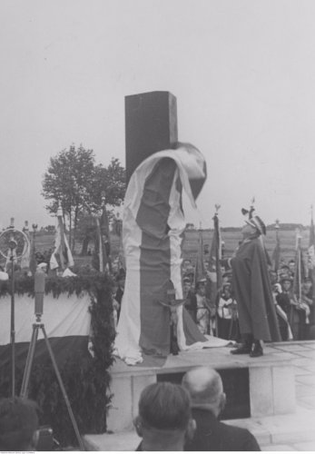 trojanowski czerwiec 39 pomnik skorupki.jpg