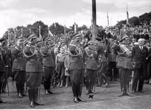 trojanowski 36 10 rocznica prezydentury moscickiego.jpg