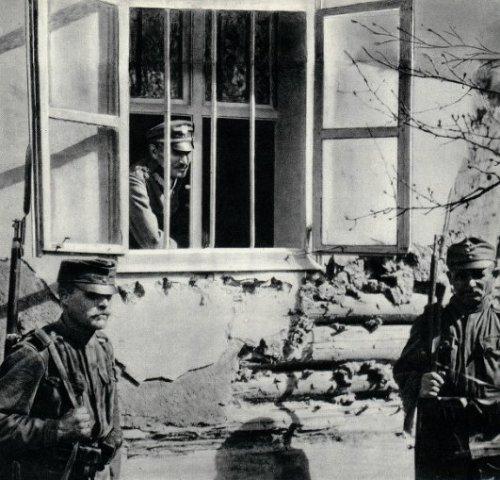 Generał_Zygmunt_Zieliński_internowany_w_obozie_w_Hurzt.jpg