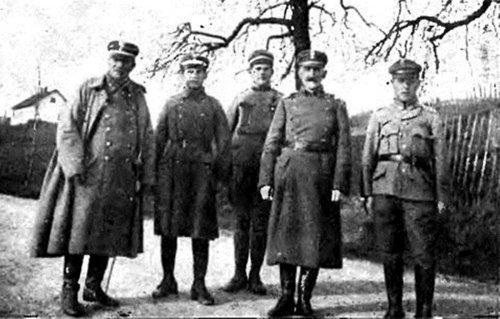 Płk Roman Żaba drugi z prawej na Śląsku Cieszyńskim  1919..jpg