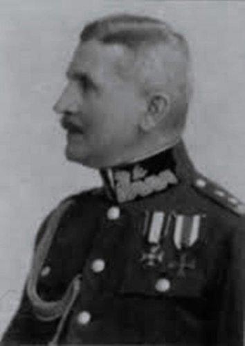 8 - gen.Fr.Paulik.jpg