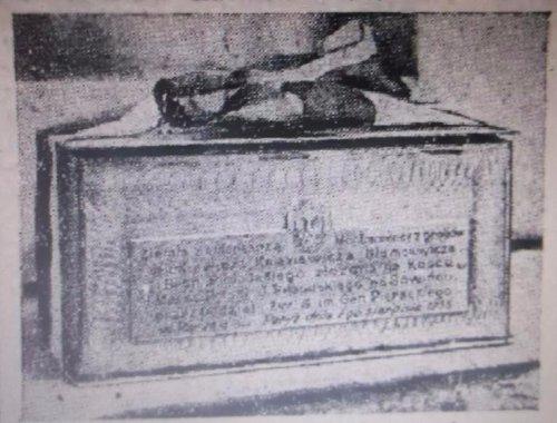 u z cmentarz montmorency w paryzu.JPG