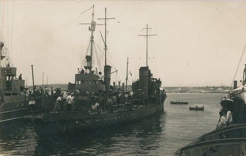 1925 , Okręty w Tymczasowym Porcie Wojennym w Gdyni..jpg